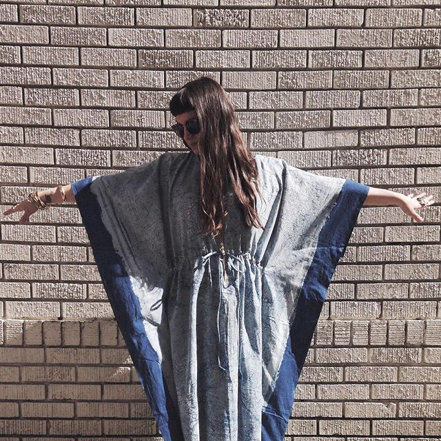 Warmer days are definitely on the horizon! These gorgeous billowy kaftans have us dreaming of weekend trips to the river, poolside mimosas, dreamy Palm Springs vacations and lots and lots of sunshine!