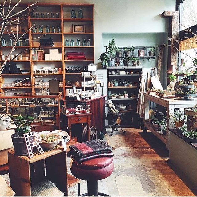 Monday morning shop view. ⠀ ⠀ : @heather.dawn.smith