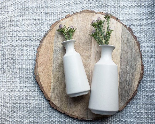 Sweet and simple vases: one for gifting, and one for you, of course.