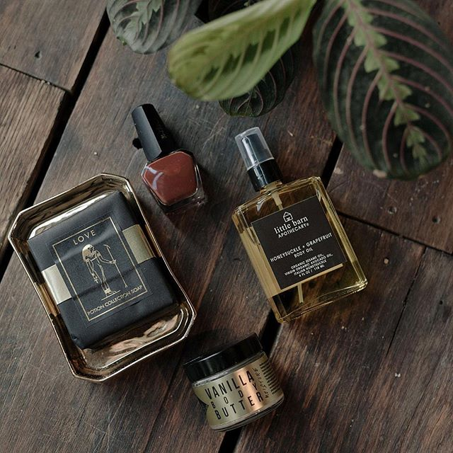 "Our fall beauty favorites: new nail polish color ""The Library"", ""Love"" soap bar, Honeysuckle and Grapefruit body oil and Vanilla body butter."