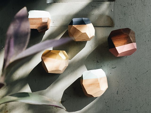 Don't they look like pretty gems? Fully restocked on your favorite wooden magnetic airplant holders!