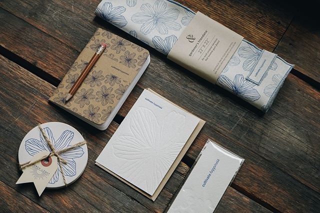 Enjoy new products from @mypoppyandfinch!  Cultivating happiness and celebrating nature through small batch, native plants inspired gifts featuring PNW wild flower, Blue Flax (Linum Lewisii). . . . . . .