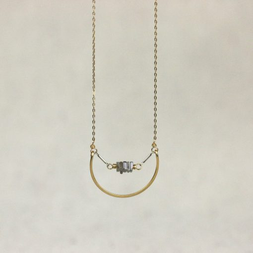 gold-fill-necklace-with-labradorite