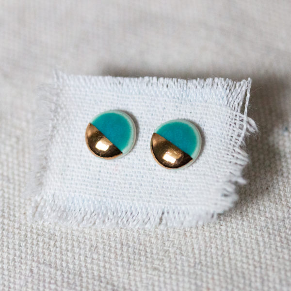 large-pebble-studs