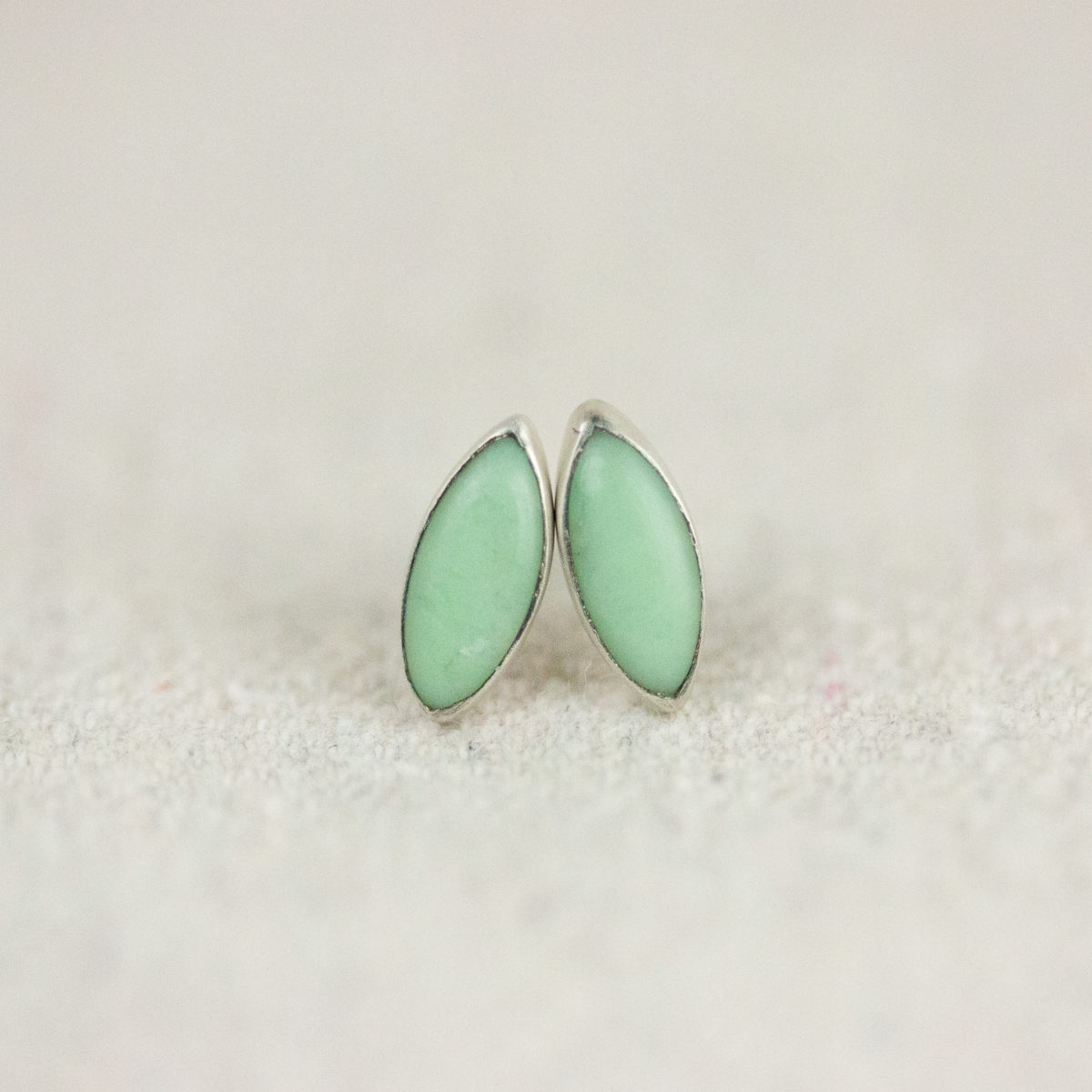 chrysophrase-rice-studs