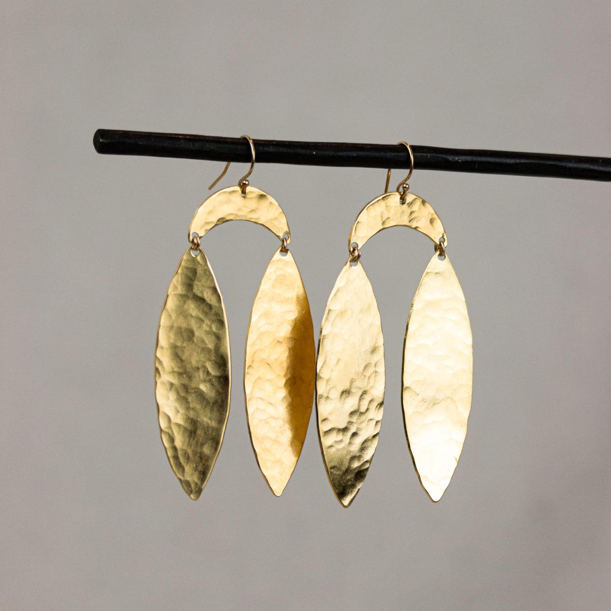 plumas-earrings-brass-14k-gold